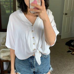 Tie front blouse nwot
